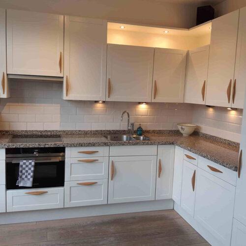 Keuken-renovatie-en-spuiten-uw-keuken-weer-als-nieuw